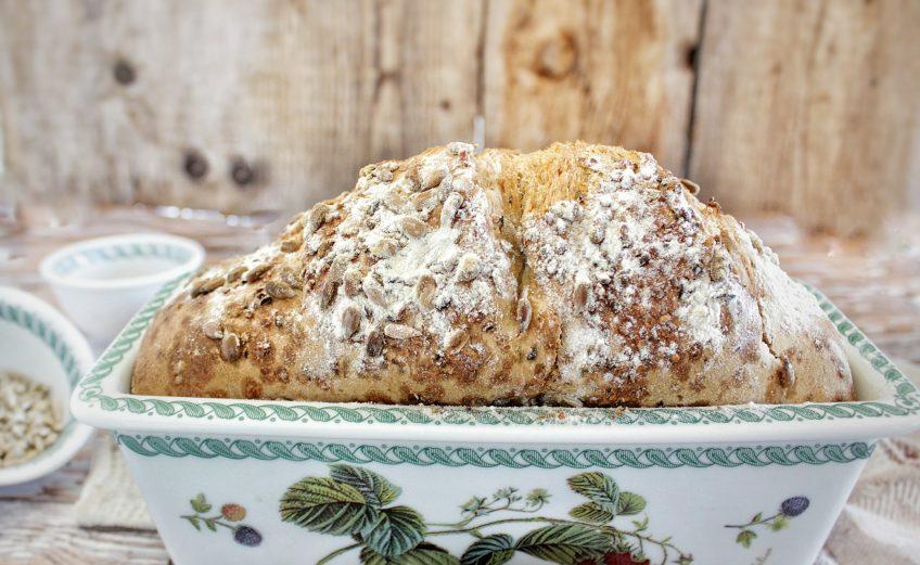 procedimento per realizzare il pane ai 7 cereali