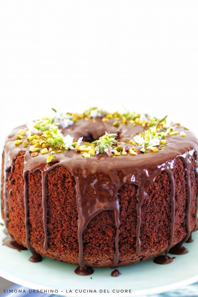 preparazione della chiffon cake al cioccolato