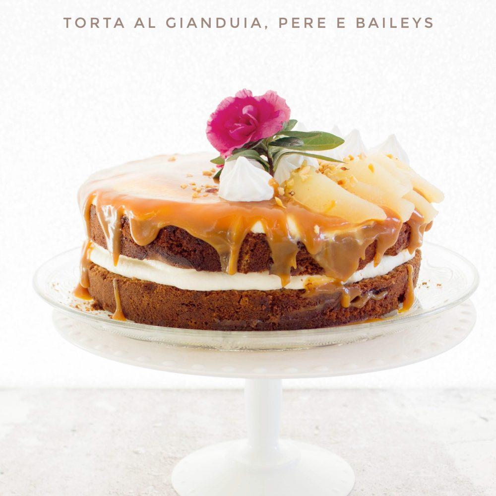 Torta con gianduia, pere e Baileys