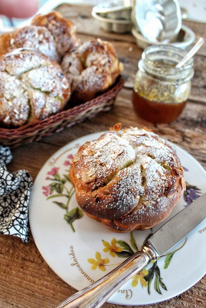 trucchi e consigli per realizzare le brioche alla panna e pistacchio