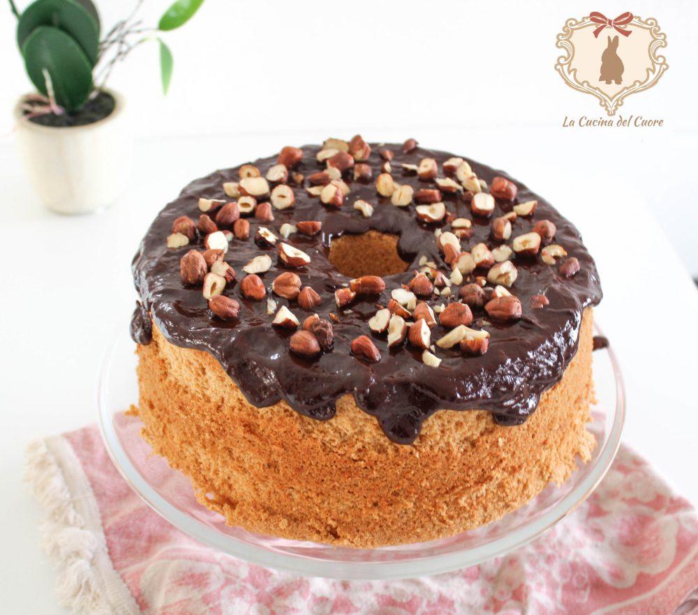 Chiffon cake al cioccolato e nocciole procedimento