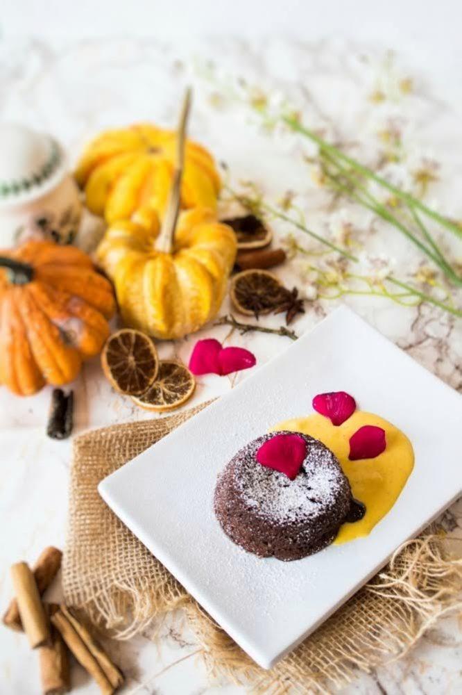 Tortino al cioccolato e Grand Marnier dal cuore caldo con Simy Cream-01