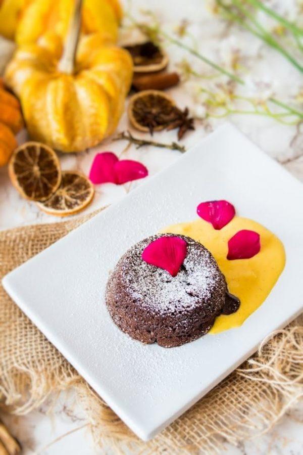 Tortino al cioccolato e Grand Marnier dal cuore caldo con crema inglese alla zucca Simy Cream-01