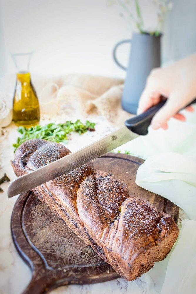 Pan Brioche al pesto con panna e formaggio