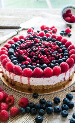 Cheesecake ai frutti di bosco freschi