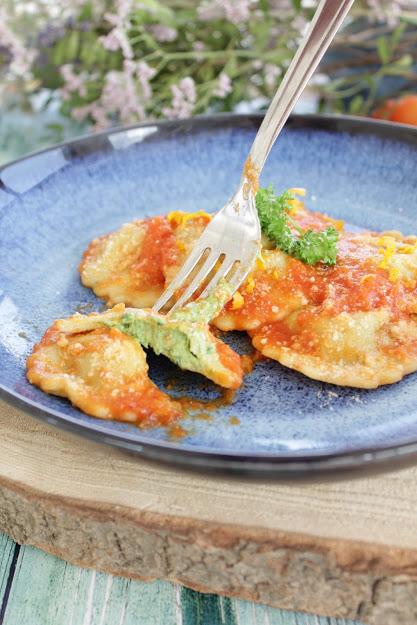 Ravioli di ricotta, spinaci e arancia
