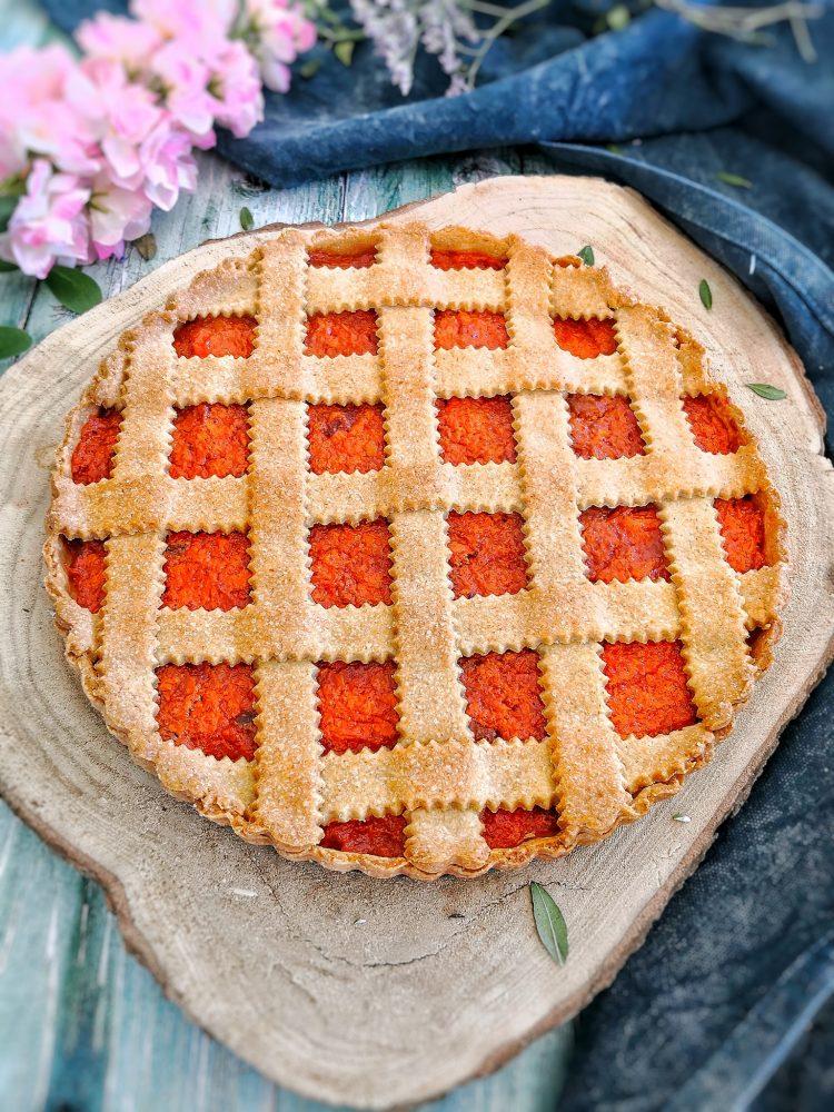 Crostata di farro con confettura di carote, mela e cannella