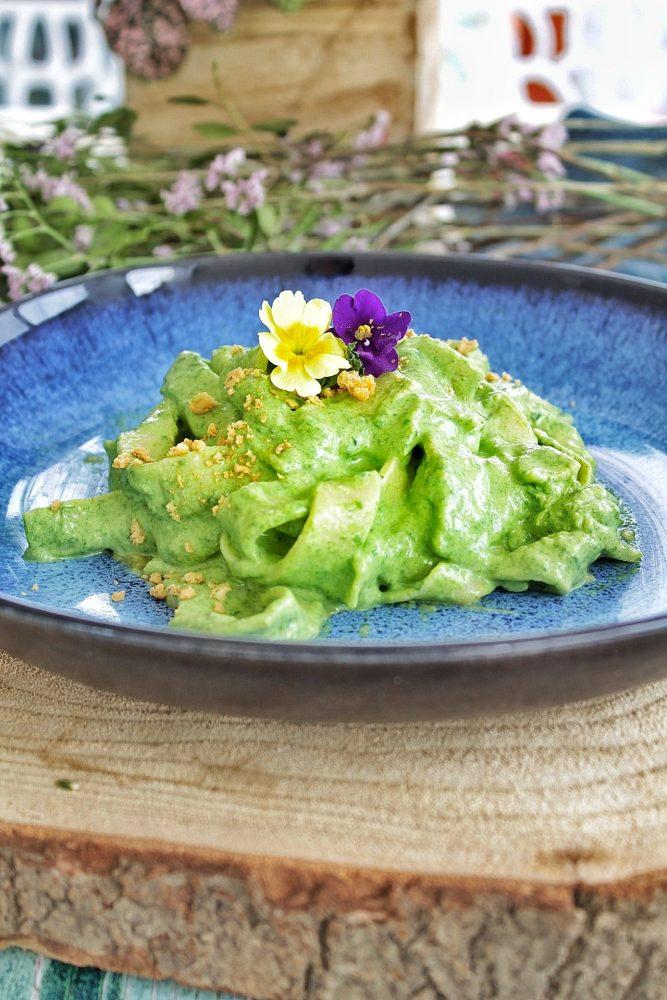 Tagliatelle integrali con spinaci
